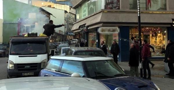 Erzurum'da Topladığı Kağıtlar Alev Aldı