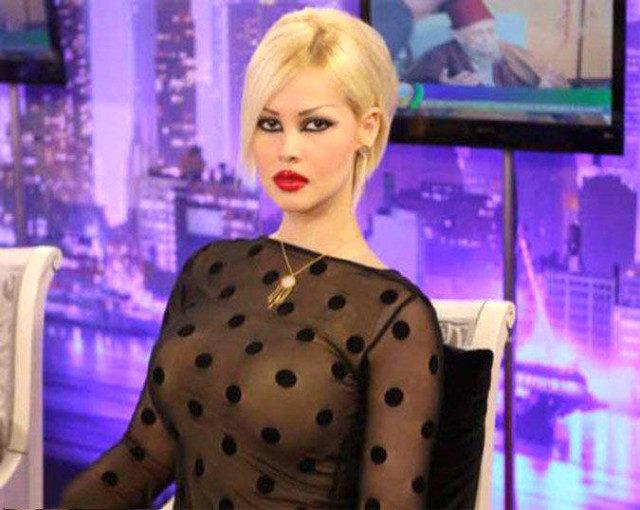 Eski 'kedicik' Ceylan Özgül, Adnan Oktar için uzaklaştırma kararı aldırdı