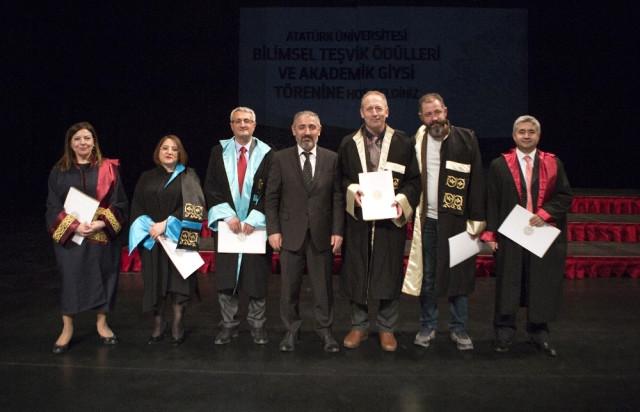 Atatürk Üniversitesi Bilimsel Teşvik Ödülleri ve Akademik Giysi Töreni Gerçekleşti