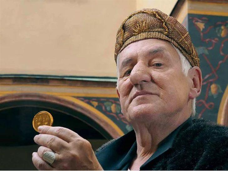 Dünyanın en zengin adamıydı! Serveti dudak uçuklattı