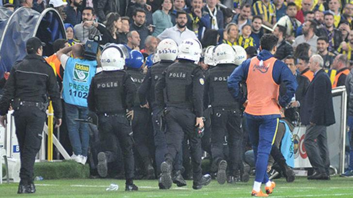 Fenerbahçe - Beşiktaş maçında gözaltına alınan şüphelilerin 25'i adliyeye sevk edildi