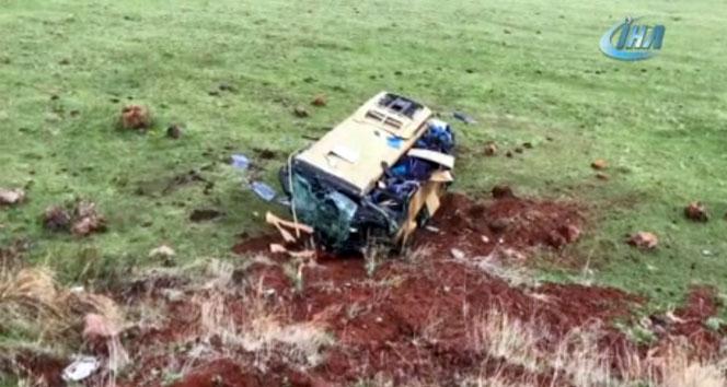 Çıldır'da feci kaza: 4 ölü, 23 yaralı
