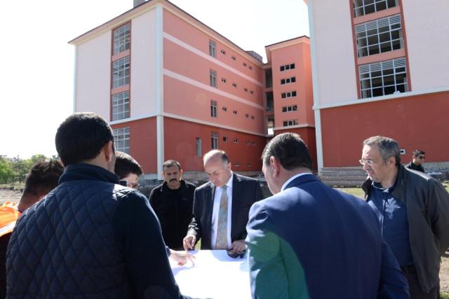 Vali Azizoğlu, İnşaatı Devam Eden Okulları İnceledi