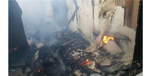 Horasan'da ev yangını
