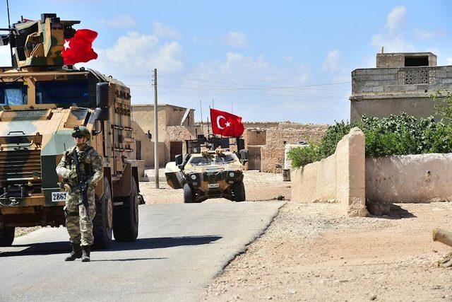 Türk askeri Münbiç'te! Genelkurmay Başkanlığı fotoğrafları paylaştı
