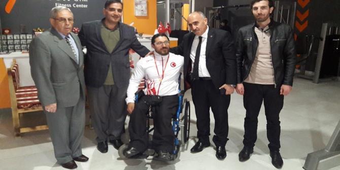 Avrupa Bilek Güreşi Şampiyonu Seven altınla ödüllendirildi