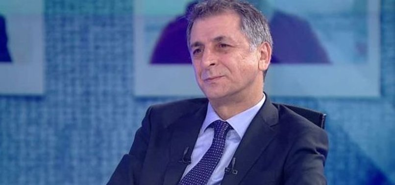 Akar'dan Sabah gazetesi yazarı Mahmut Övür'e tebrik