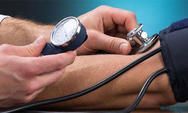 Kalp ve hipertansiyonu olanlara sıcak uyarısı