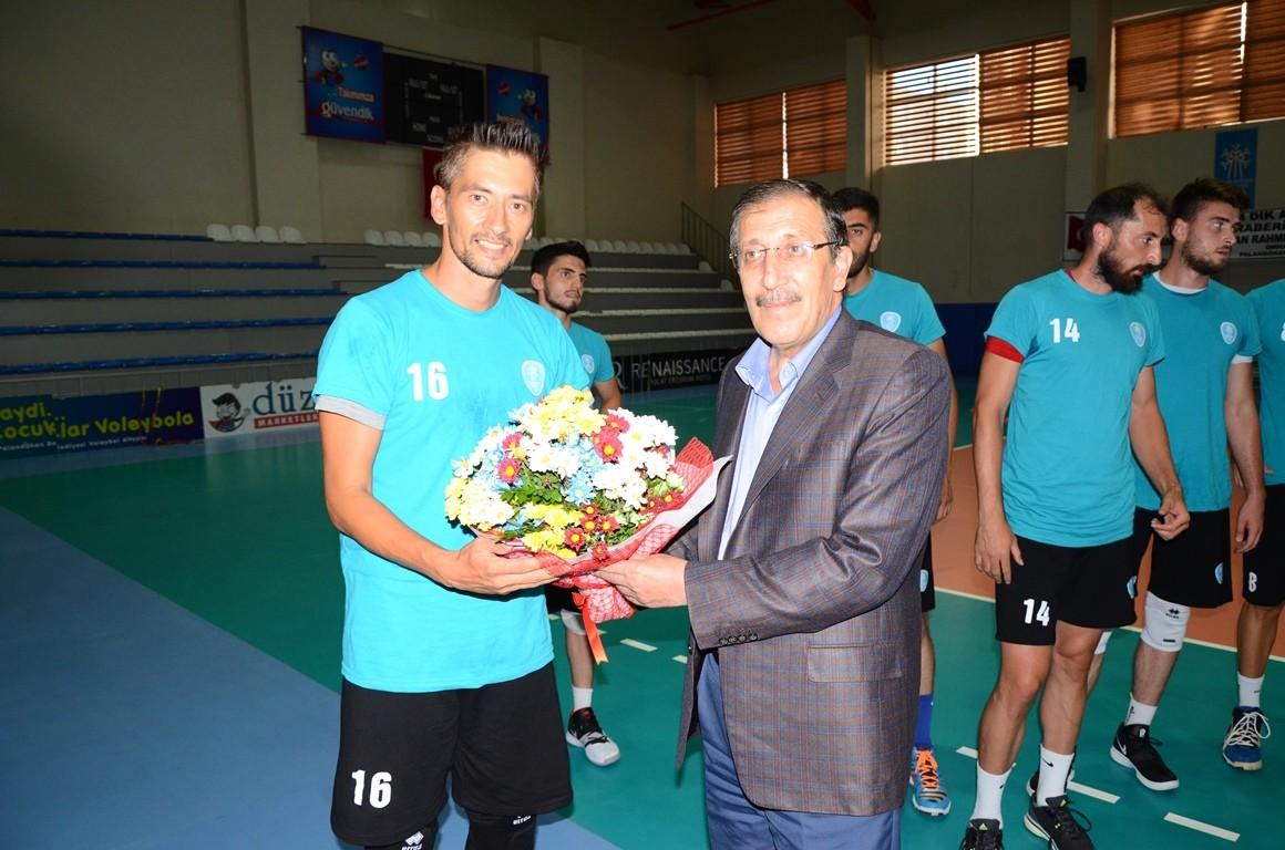 Palandöken Belediyesi voleybol takımı yeni sezon hazırlanıyor
