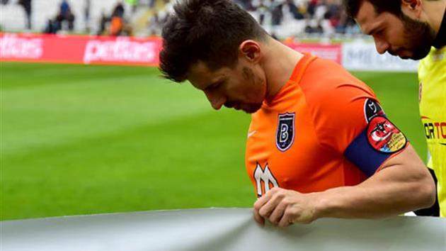 Tahkim Kurulu, Emre Belözoğlu'nun cezasını 3 maçtan 2 maça indirdi!