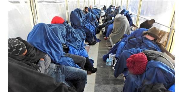 Erzurum'da 49 Kaçak Göçmen Yakalandı