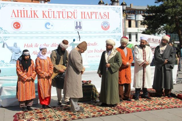 Erzurum'da Yılın Ahisi Recai Kızıloğlu Oldu