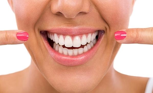 """""""Diş problemleri güven eksikliğine neden oluyor"""""""