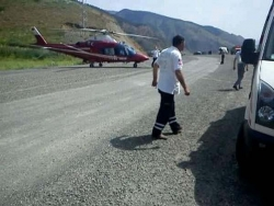 Helikopter karayoluna indi!