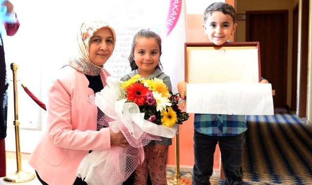 Nilgün Azizoğlu, Karayazı'da Çocuklarla Bir Araya Geldi