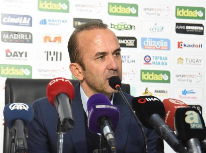 """Mehmet Özdilek: """"Taraftarı ve oyuncularımı tebrik ediyorum"""""""