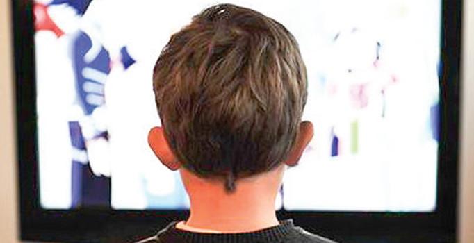 Ekran karşısında uzun süre kalan çocuklar risk altında