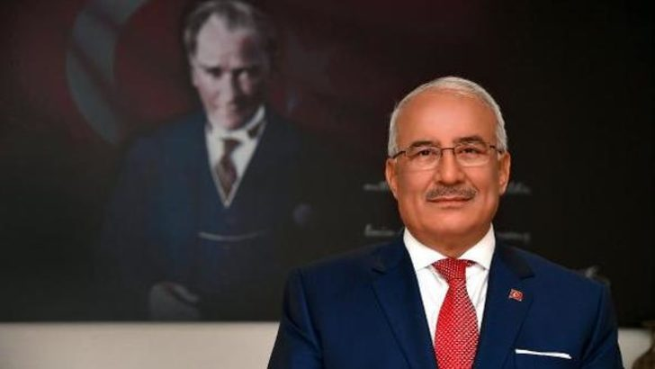 Burhanettin Kocamaz MHP'den istifa etti