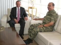 Başkan Küçükler'e komutan ziyareti
