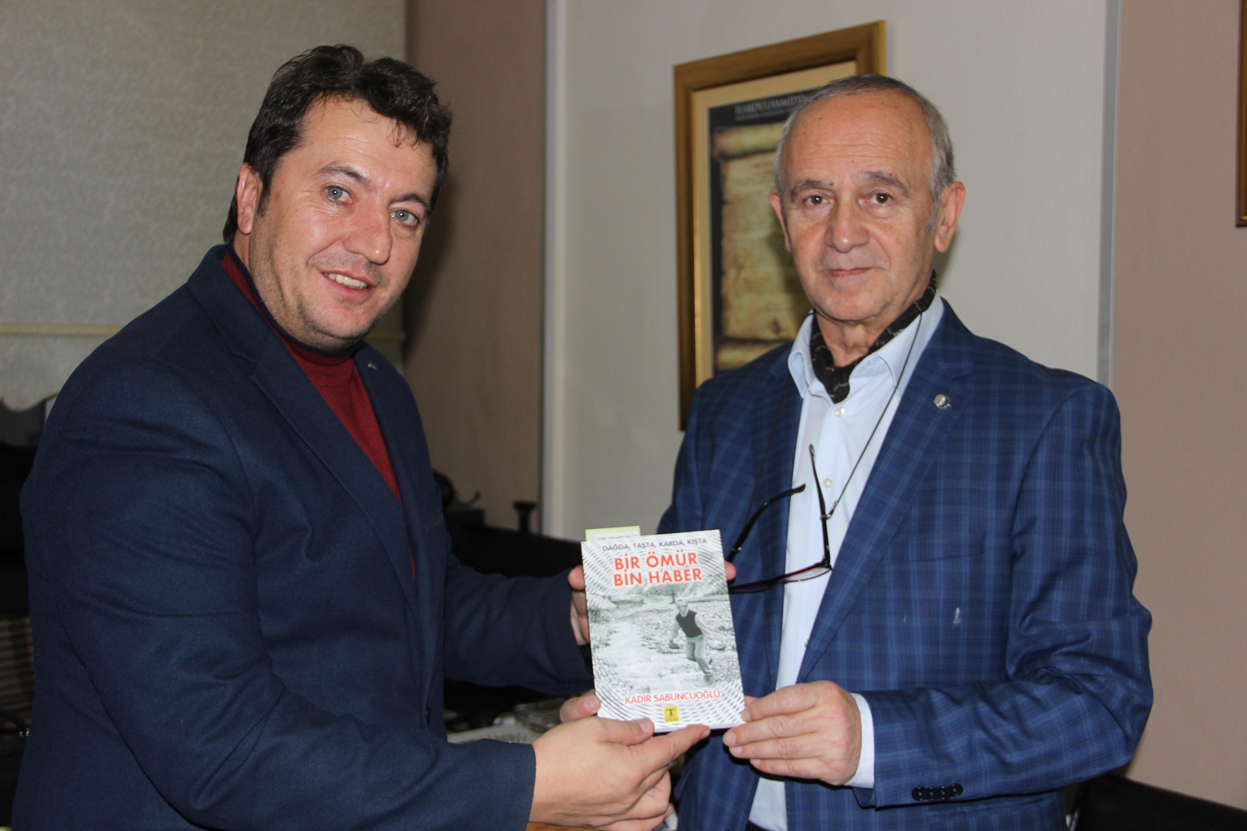 Gazeteci Yazar Kadir Sabuncuoğlu'ndan 'Bir Ömür, Bin Haber'