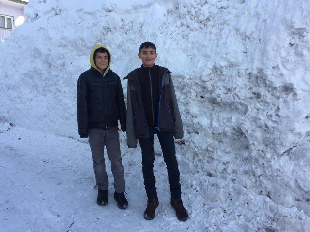 Bu ilçedeki öğrencilere 12 gün tatil! Kar onlara yaradı