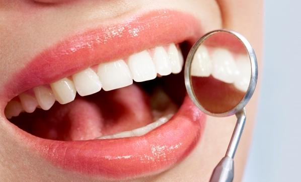 Diş eti çekilmeleri tehlikeyi işaret ediyor