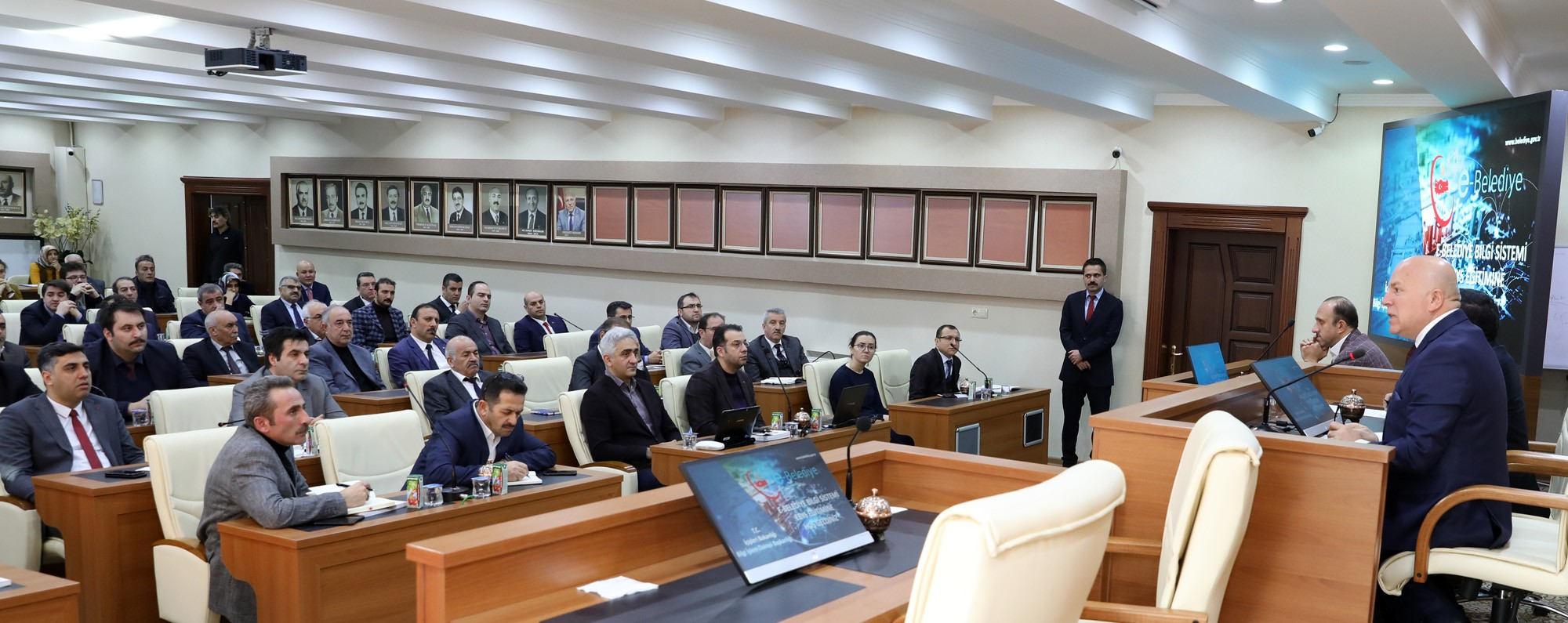 Büyükşehir e-belediye bilgi sistemine geçti