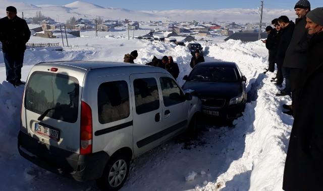 Erzurum'da Taziye yolunda trafik kazası: 5 yaralı