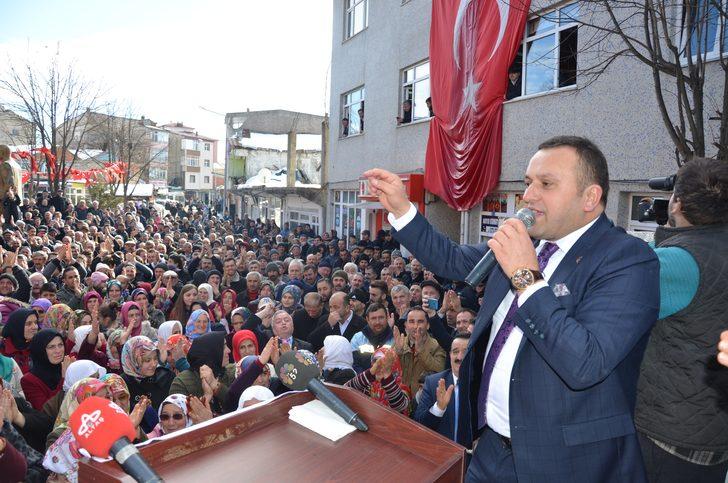 Çaybaşı Belediye Başkanı İsmet Yanık AK Parti'den istifa etti