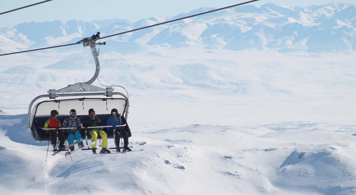 Sömestir yoğunluğu Palandöken'deki turizmcileri sevindirdi