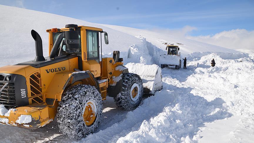 Doğu'da 19 köy ve mahalle yolu ulaşıma kapalı