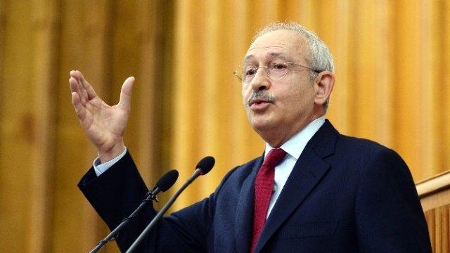 Kemal Kılıçdaroğlu, Ozan Arif'in şiirini okudu