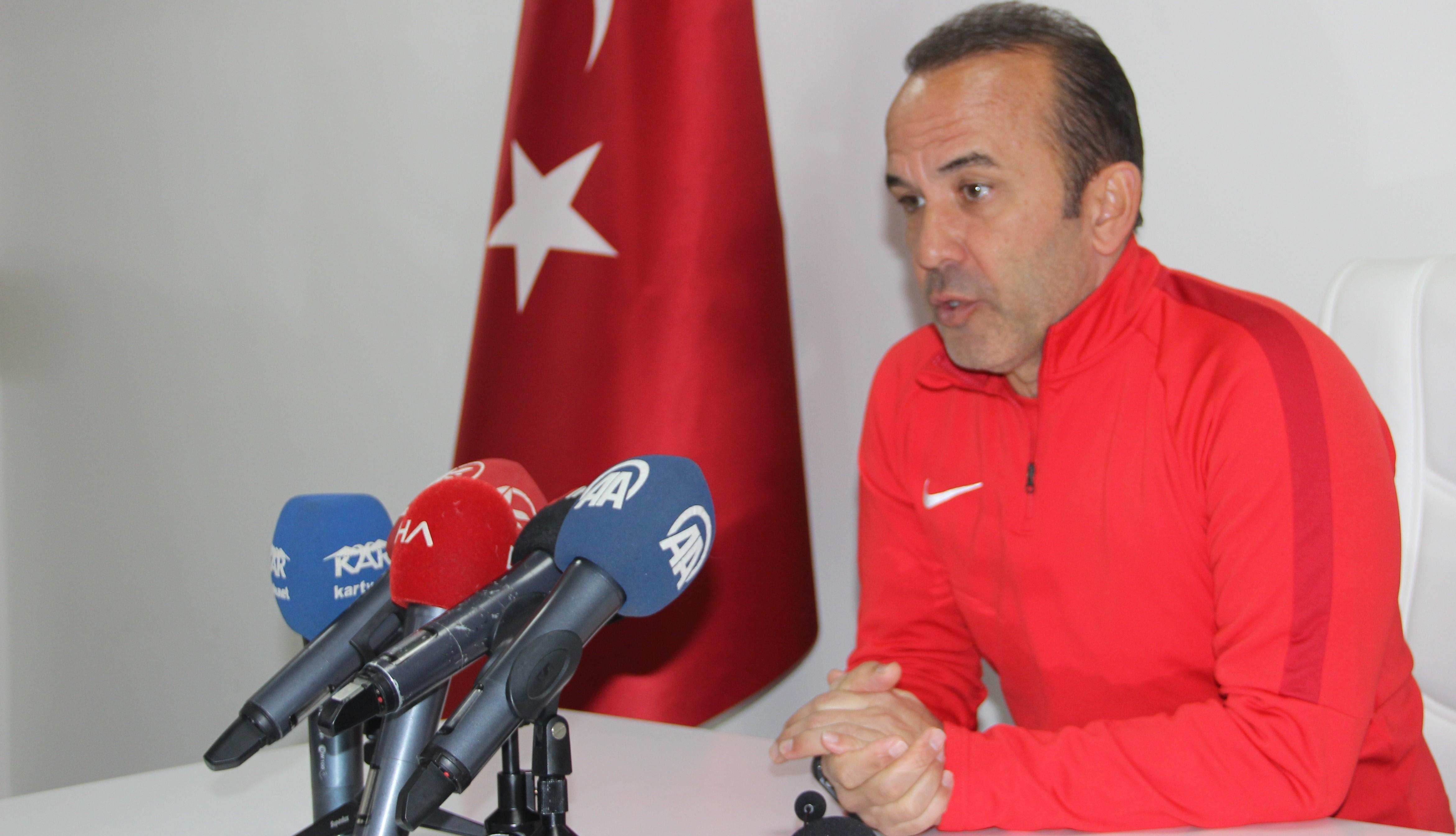 """Mehmet Özdilek: """"Galibiyete daha fazla ihtiyacı olan taraf biziz"""""""