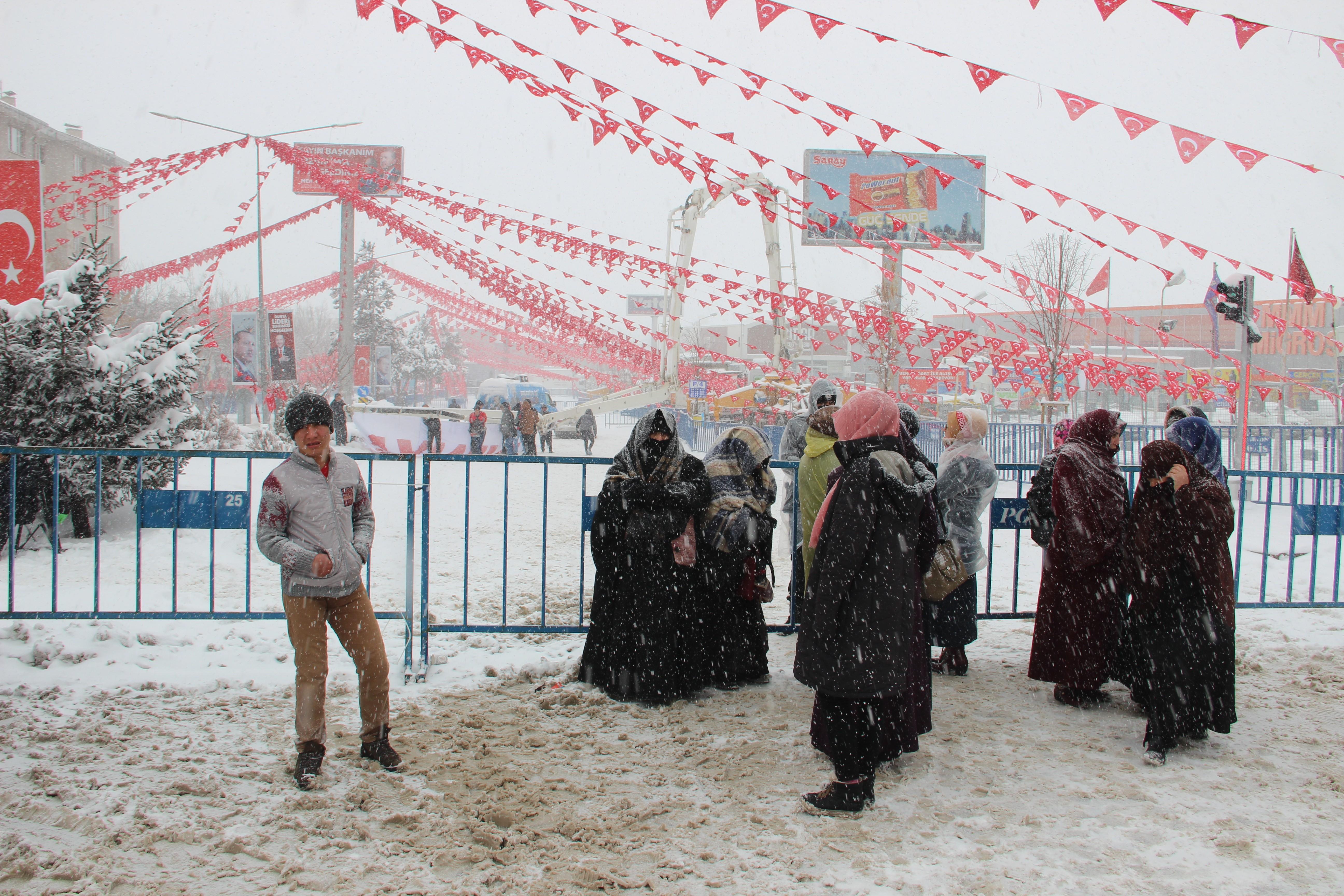 Erzurum kar altında Cumhurbaşkanı Erdoğan'ı bekliyor