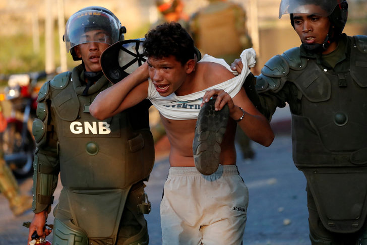 Venezuela'da okullar tatil, devlet daireleri ve özel iş yerlerinde çalışma yapılmayacak