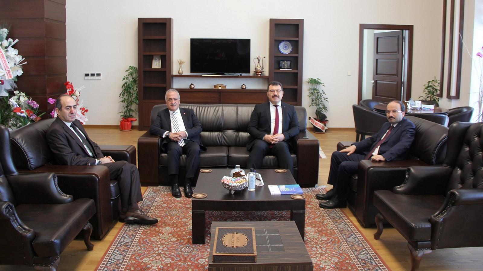 TÜBİTAK Başkanı Prof. Dr. Mandal'dan ETÜ Rektörü Prof.Dr. Çakmak'a ziyaret
