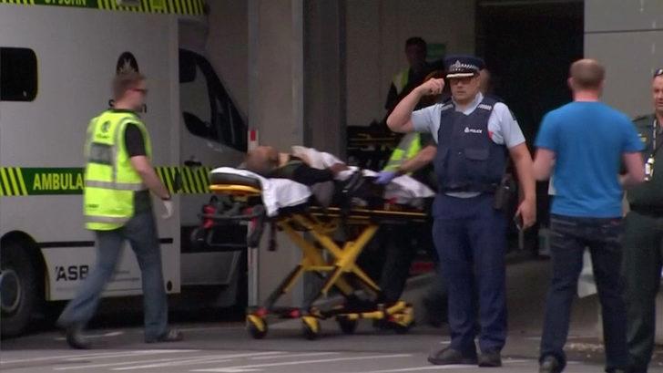 Yeni Zelanda'da iki camiye silahlı saldırı! Katliamın ilk görüntüleri