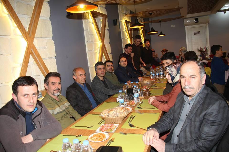 Oltu'da Tıp Bayramı'nda yemek organizasyonunda bir araya geldiler