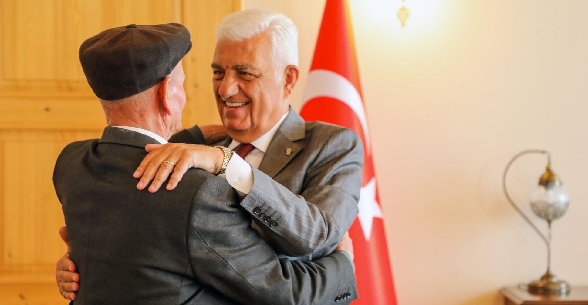 Başkan Gürün'e tebrik ve destek ziyaretleri sürüyor