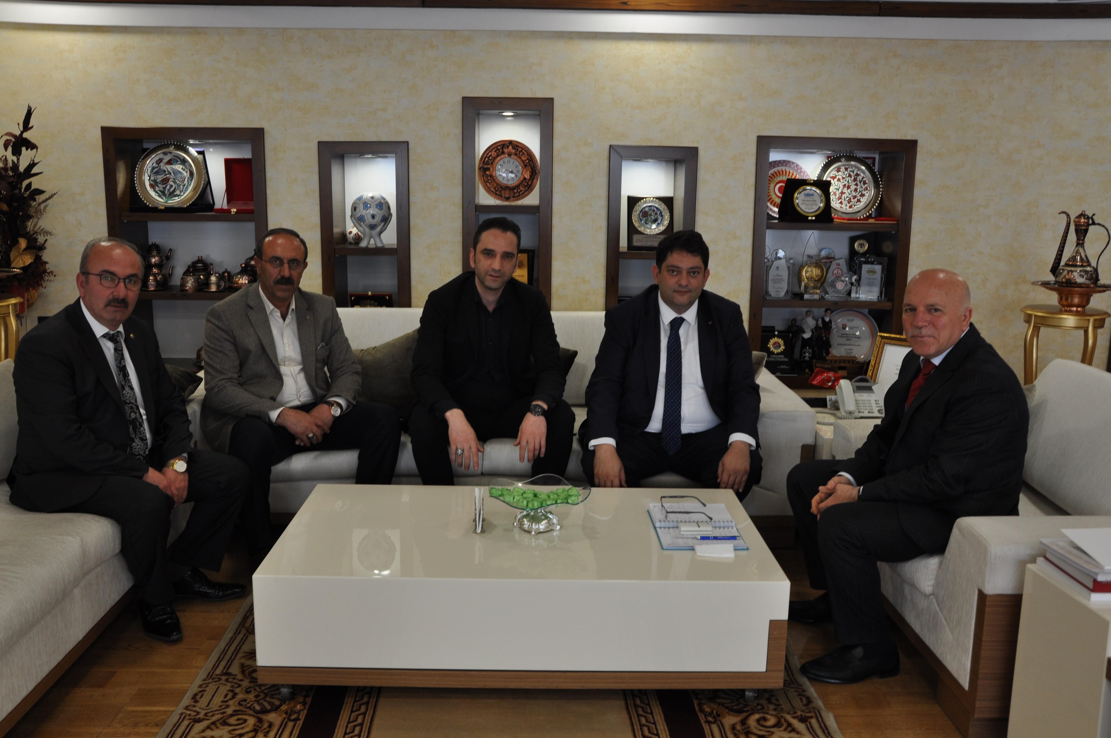 Oral'dan Belediye Başkanlarına tebrik ziyareti