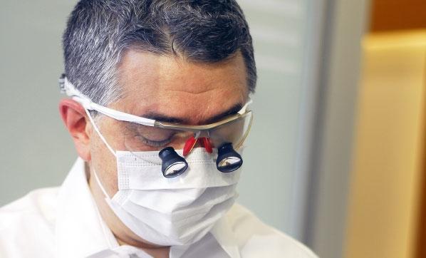 Diş teli olanlarda ağız bakımı önemli
