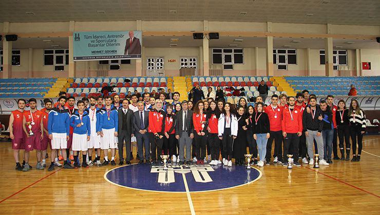 Potada kızlarda Erzurum erkeklerde Kayseri şampiyon