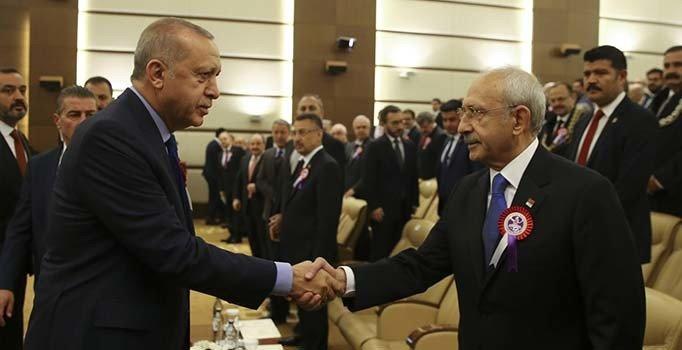 Erdoğan ile Kılıçdaroğlu AYM'nin kuruluş töreninde tokalaştı