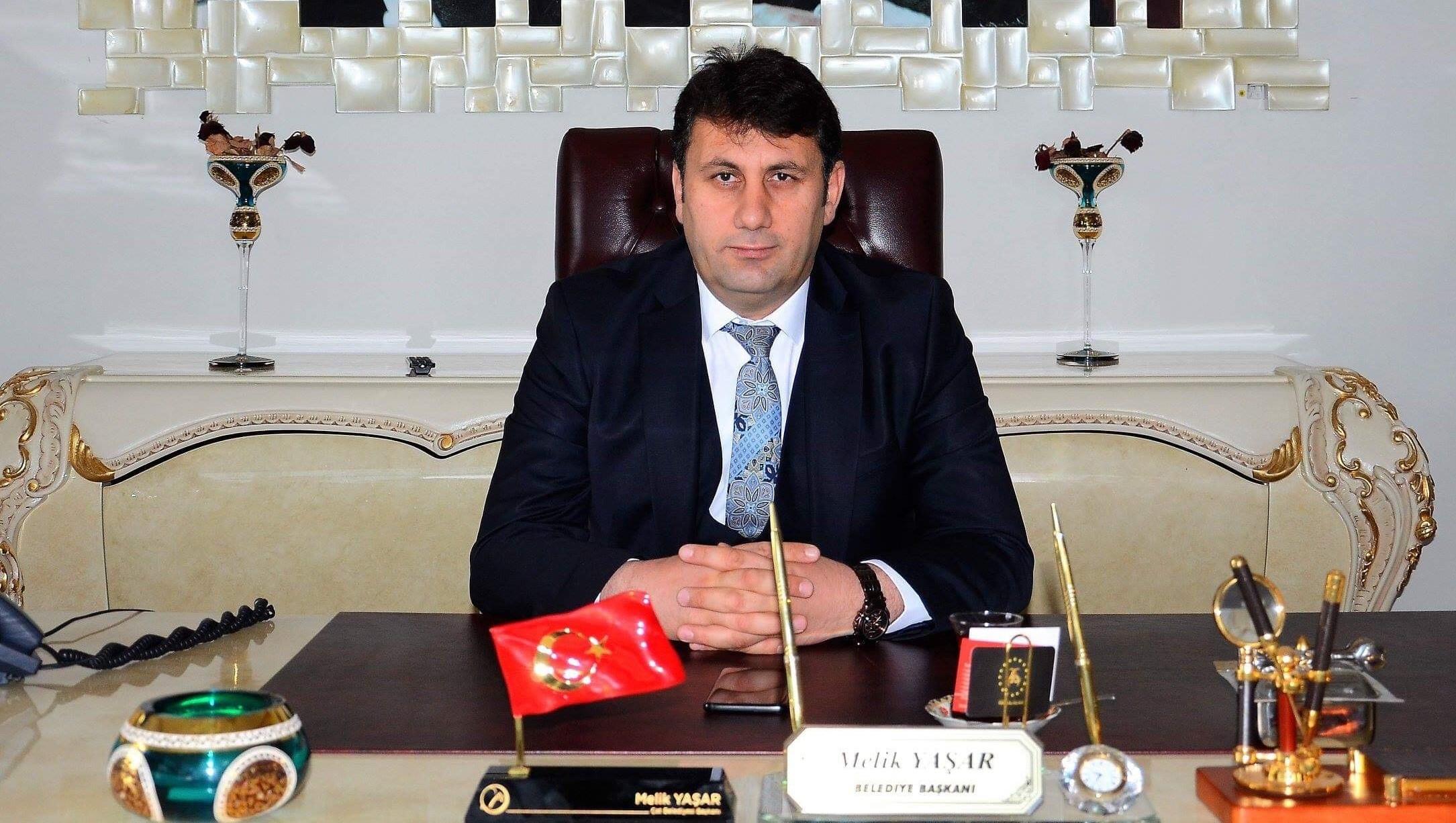 Çat Belediye Başkanı Yaşar'dan çalışanlara 1 Mayıs müjdesi