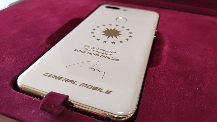 Erdoğan'a özel üretim akıllı telefon! İşte özellikleri...