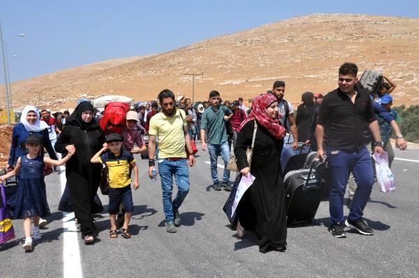 Suriyeliler, bayram ziyareti için ülkelerine gitmeye başladı