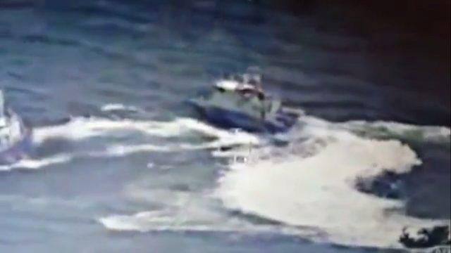 Türk teknesine ateş açıldı! Yaralılar var