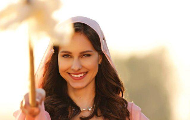 Brezilyalı oyuncu Jessica May İstiklal Marşı okunurken ağladı!