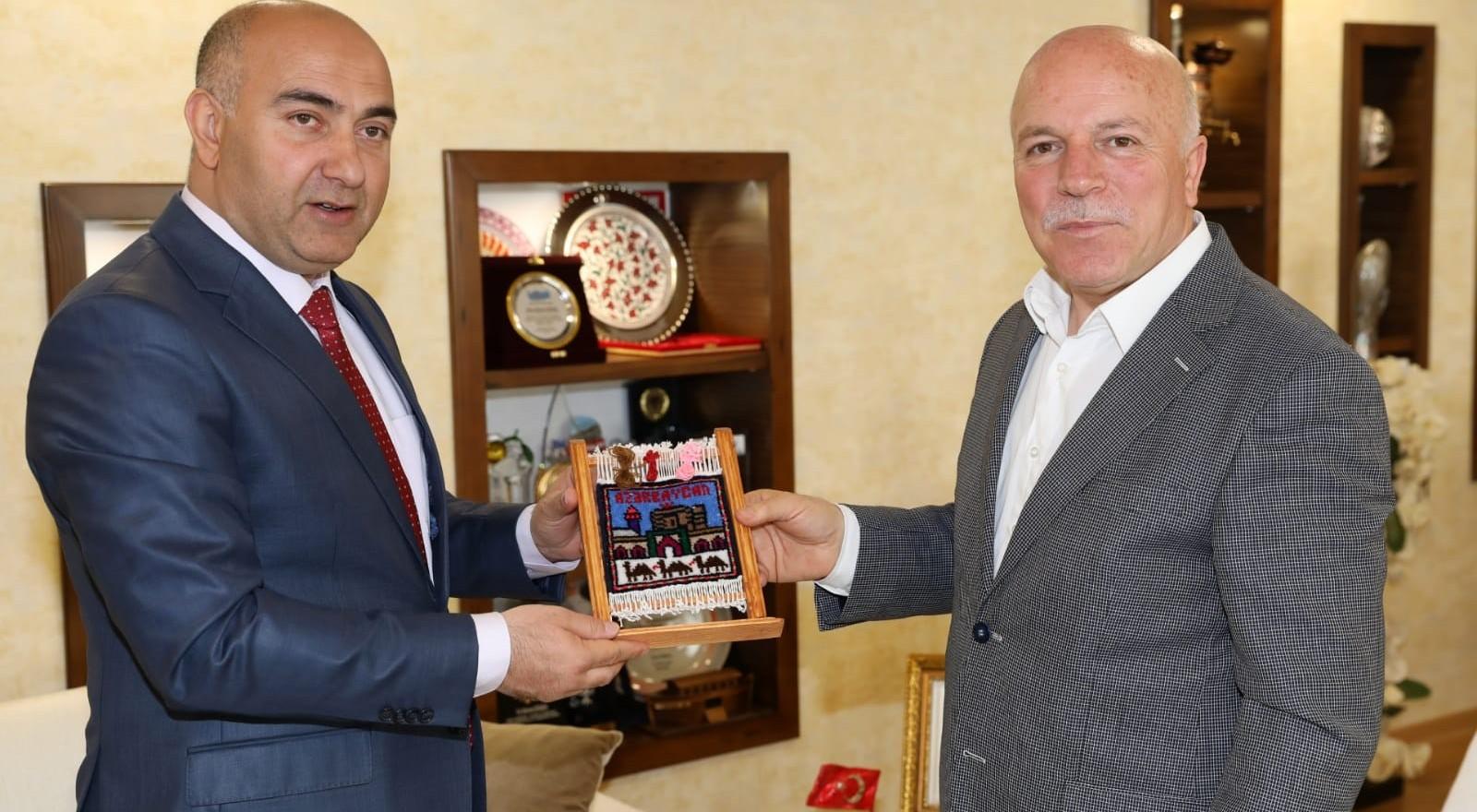 Guliyev'den Başkan Sekmen'e ziyaret