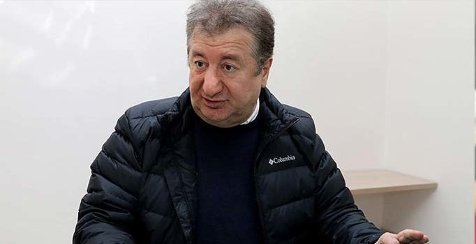 Gazeteci Sabahattin Önkibar'a yumruklu saldırı